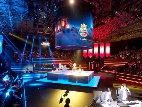 フィンランドのゲームメーカーSupercellの戦略ゲーム『クラッシュ・ロワイヤル』を使った「クラロワリーグ 世界一決定戦」が幕張メッセで開催。観戦チケットは即日完売となる人気ぶり