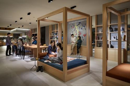 星野リゾート BEB5 軽井沢のパブリックスペース(写真:星野リゾート)