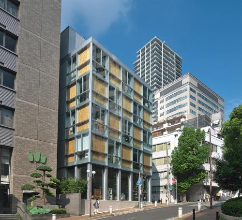〔写真2〕都市型オフィスビル