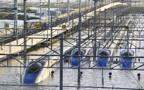 図1 浸水したJR東日本長野新幹線車両センター