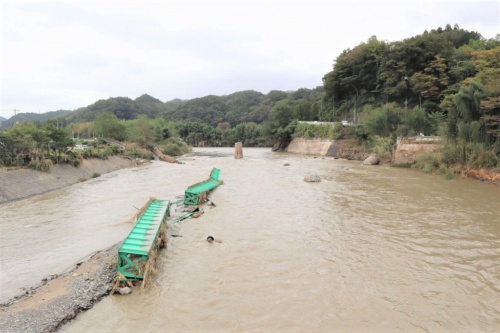 増水で流されたJR水郡線の第6久慈川橋梁。橋脚はほとんど残っていない。2019年10月14日正午ごろ撮影(写真:日経 xTECH)