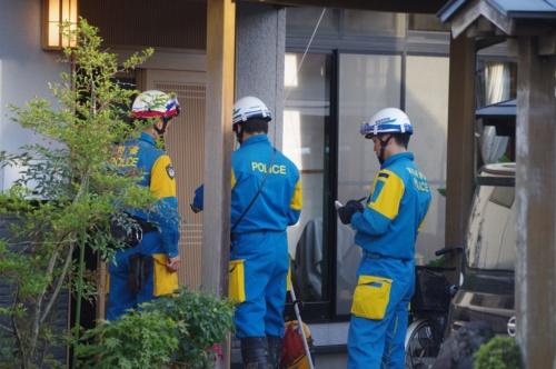 町中心部の水が引いた10月14日に、宮城県警察による住民の安否確認が始まった。丸森町災害対策本部は10月16日時点で、死者5人、行方不明者5人と発表した(写真:日経 xTECH)