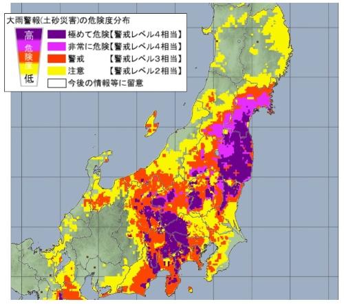 大雨特別警報を5県に発表した10月12日午後8時ごろの土砂災害の危険度分布。東日本の広範囲で「極めて危険」を意味する紫色を示していた(資料:気象庁)