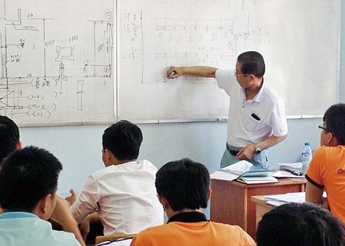 日本の建設技術を学ぶ授業(写真:アース建設コンサルタント)