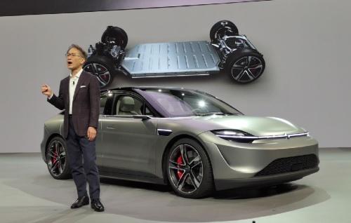 CESでソニー初の電気自動車の試作を発表した吉田憲一郎社長