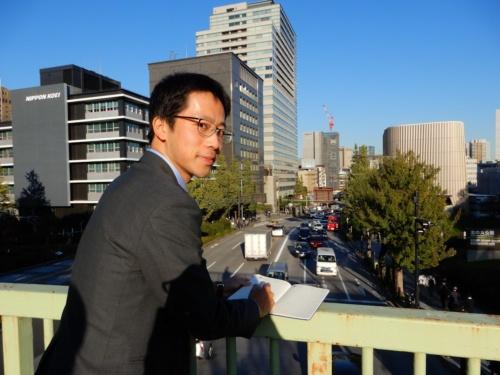 日本工営コンサルタント海外事業本部の山田修栄氏。1990年東京都生まれ。2014年3月に東京大学大学院新領域創成科学研究科を修了し、同年4月に日本工営入社。ハノイ(ベトナム)―ビエンチャン(ラオス)間の高速道路事業、ルワンダの新規道路提案、マナグア(ニカラグア)の都市マスタープラン策定などの実績がある(写真:三上 美絵)