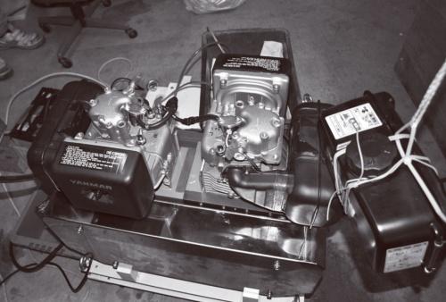 図1 試作した直列2気筒エンジン