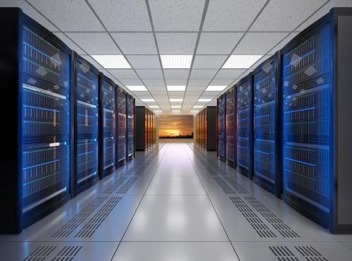 クラウドストレージサービスの提供業者は、データセンターでストレージやファイルを安全に管理している。写真はデータセンターのイメージ
