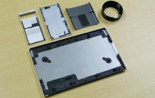 図3 デジタル機器での異種材料接合の採用例