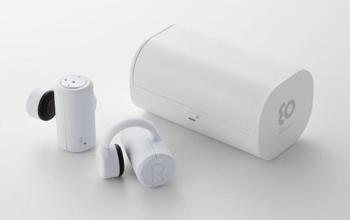 BoCoの「earsopen PEACE TW-1」。白と黒の2色のカラーバリエーションがある。直販価格は1万9800円(税別)