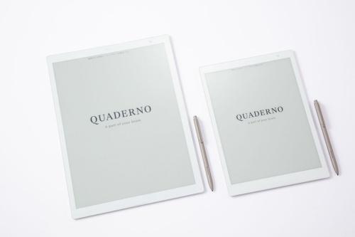 富士通クライアントコンピューティングの電子ペーパー「QUADERNO(クアデルノ)」。A4サイズとA5サイズの2モデルがある