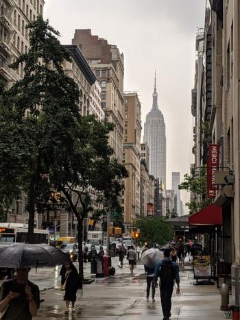 再ロックダウンに突入しつつある米国の各都市だが、ニューヨークでは新しいレストランの事業モデルに注目が集まりつつある(2019年6月撮影)