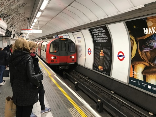 市内交通にオープンループの仕組みを世界に先駆けて導入した英国ロンドン交通局