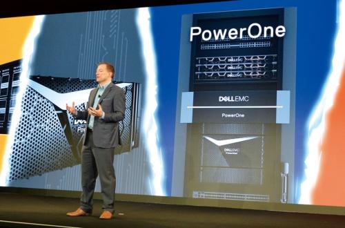 Dell EMC PowerOneを発表するジョン・ローズCTO(最高技術責任者)