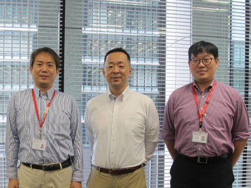 左からシステムリスク管理室の中村健太氏、石川陽一室長、伊藤公樹氏