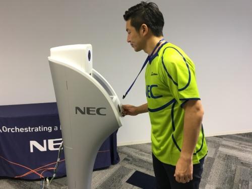 関係者向けの入場ゲートに設置される顔認証システム