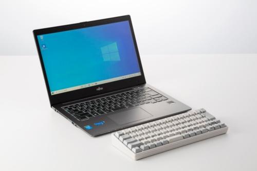 ノートパソコンのキーボードに不満を感じたら、外付けキーボードをつなぐことを考えてみよう