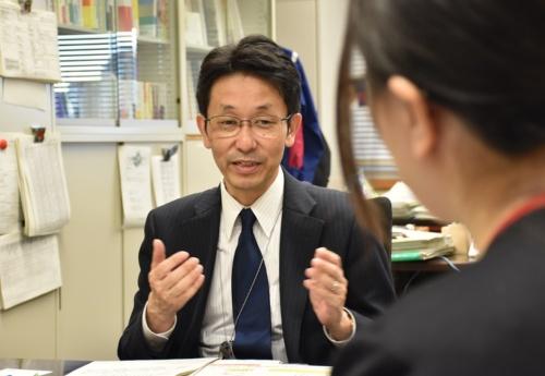 国土交通省の眞鍋純住宅局長(写真:日経アーキテクチュア)