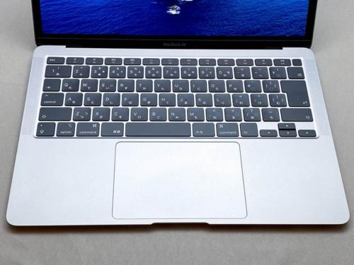 写真3●MacBook Airも「Magic Keyboard」を搭載