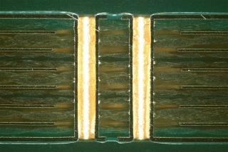 (b)プリント基板の断面から見たスルーホール