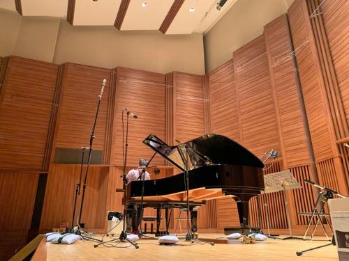 アコースティックな音楽を聴くとハイレゾの優位性がよく分かる。筆者の録音現場では、いつも192kHz/24bitで収録している
