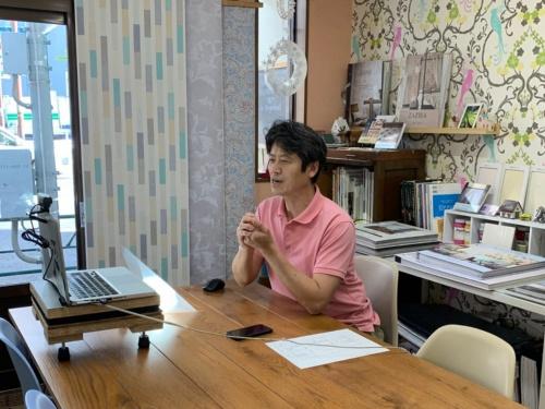 エーゼン大塚建設の大塚健太郎代表は約1カ月半の実務体験を踏まえて、「顧客と対面の打ち合わせをウェブ会議化する流れは、私たちのような中小事業者にとって有利だ」と話す(写真:エーゼン大塚建設)
