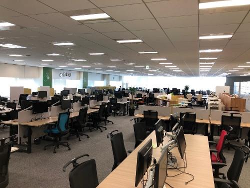 全社員を対象にしたテレワークへ移行し、人が少なくなった大日本住友製薬のオフィス
