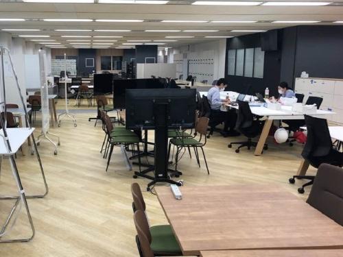 テレワークの実施で社員が少なくなった損保ジャパンのオフィス(出所:損保ジャパン)