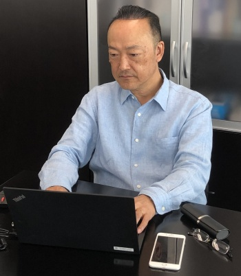 テレワークに取り組むコニカミノルタジャパンの大須賀健社長。経営陣を含む全社員がテレワークで担当する業務を進めてきた