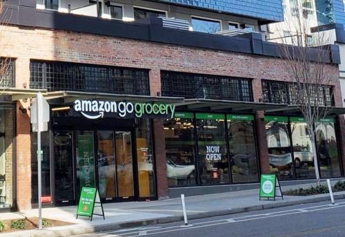 アマゾンがシアトルに開店した生鮮食品を充実させた「Amazon Go Grocery」