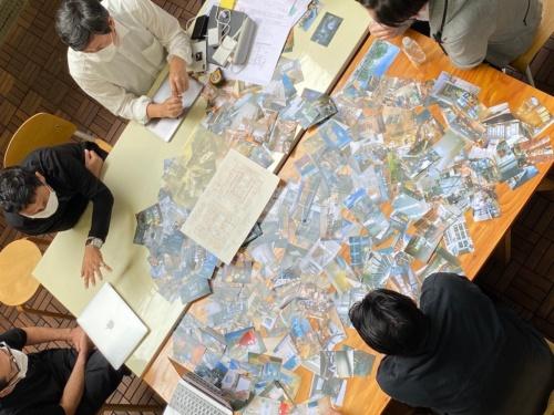新しいオフィスについて議論するリノベるの関係者たち(写真:リノベる)
