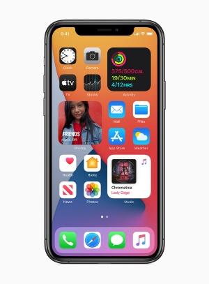 ホーム画面を大幅に刷新した「iOS 14」。従来専用の画面にしか設置できなかったウィジェットを、ホーム画面に設置できるようになっている