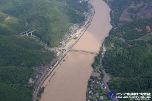 JR肥薩線の段駅周辺の様子(写真:アジア航測・朝日航洋)