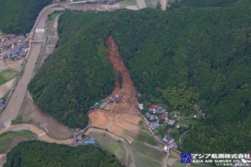 熊本県芦北町田川地区の空撮写真。2020年7月4日に撮影(写真:アジア航測・朝日航洋)