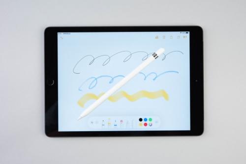第1世代のApple Pencilを使うと楽しくお絵描きができる