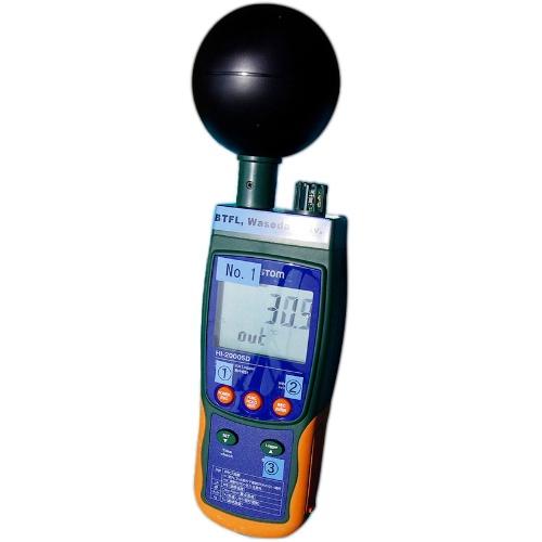 WBGT計で温熱環境を計測した(写真:日経クロステック)
