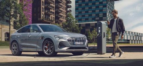 ドイツAudi(アウディ)のSUV(多目的スポーツ車)型の電気自動車(EV)「e-tron Sportback」(出所:Audi)