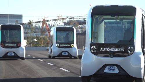 トヨタ自動車がモビリティーサービスを実現するために開発したMaaS(Mobility as a Service)向け自動運転EV(電気自動車)「e-Palette」。同社が建設を予定しているスマートシティー「Woven City」(ウーブン・シティ)での運行が計画されています(出所:トヨタ自動車)