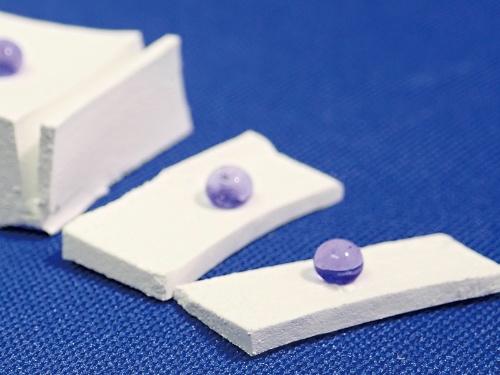 物質・材料研究機構が開発した超撥水塗料