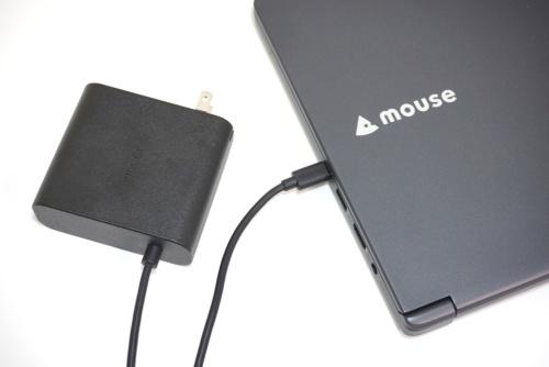 USB PDに対応するノートPCは、USB Type-Cポートを使って内蔵バッテリーを充電できる