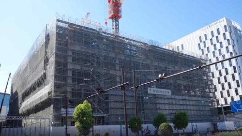 東京江東区で建設されているデータセンター向けの建物。建築主は「Kona合同会社」で、工期は2022年7月31日までとなっている