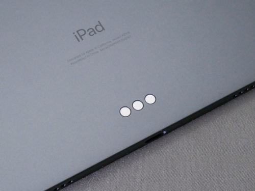 iPad Proと同じ「Smart Connector」や「USB Type-C」を搭載