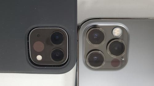 2020年版「iPad Pro」(左)と「iPhone 12 Pro」(右)のリアカメラ部分