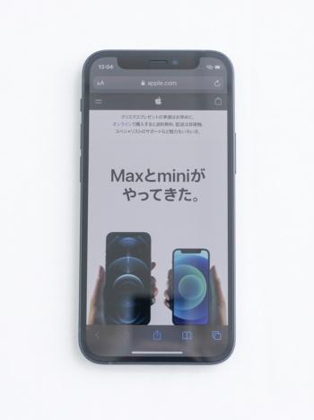 iPhone 12 miniの外観(撮影:加藤 康)