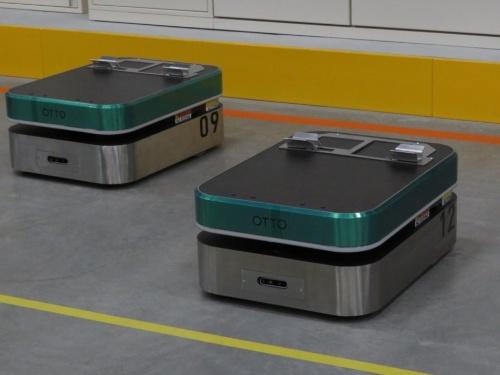 商品の無人搬送機「OTTO」