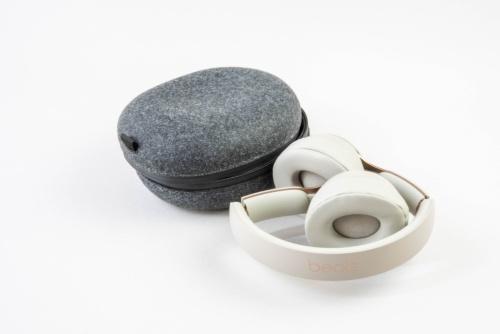 Beats Solo Pro Wirelessノイズキャンセリングヘッドフォン