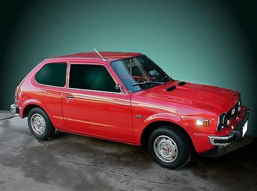 スミソニアン博物館で、ホンダの初代シビックは「アメリカの自動車文化を変えた存在」として展示されている