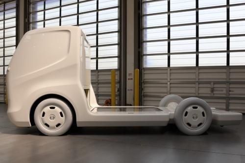 図3 日野が開発を発表していた小型EVトラック向けPF