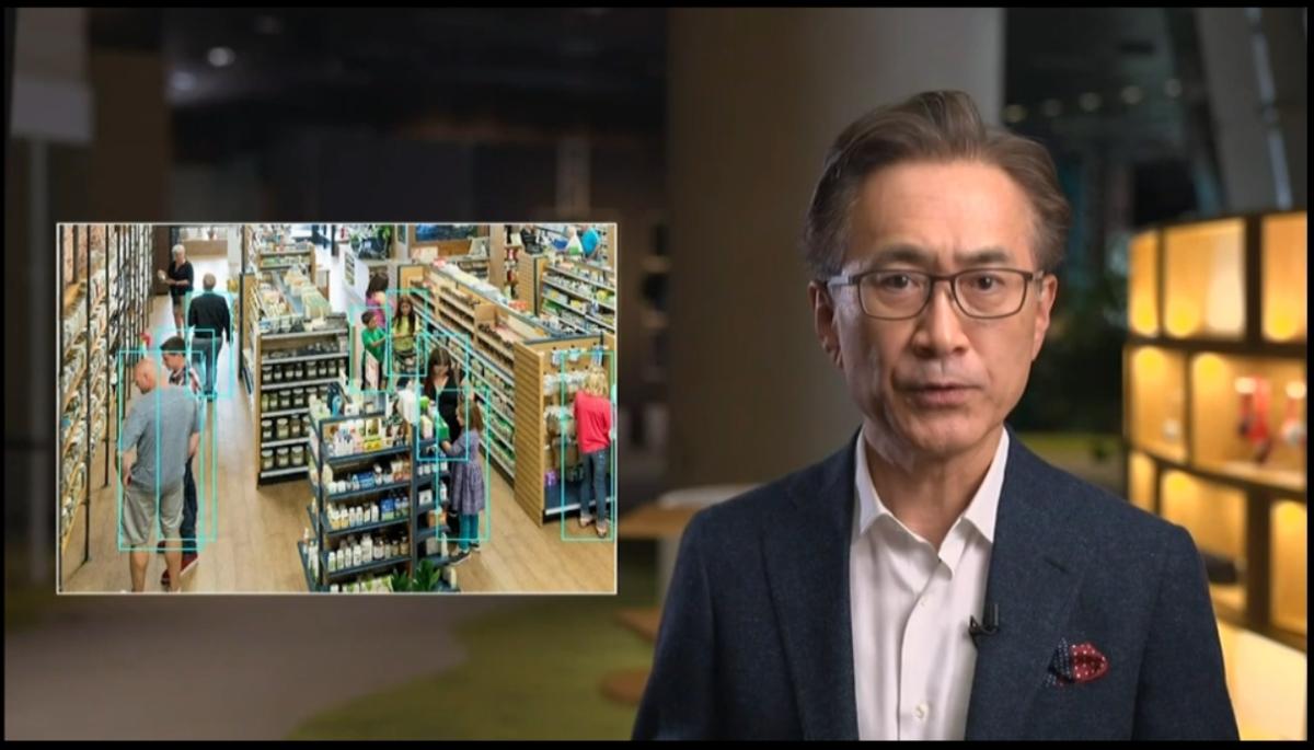 エッジAIを使った例では、スマートカメラを用いた小売店などでの人物認識を挙げた (出所:ソニーグループの配信動画をキャプチャー)