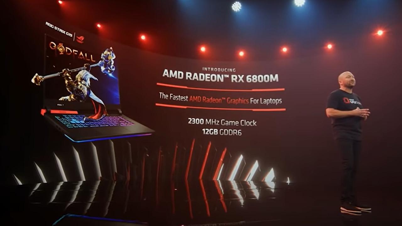 登壇したScott Herkelman氏 新製品のノートPC向けGPU「Radeon RX 6000Mシリーズ」のハイエンドモデル「Radeon RX 6800M」を紹介。(出所:COMPUTEX TAIPEI 2021の基調講演ビデオからキャプチャー)